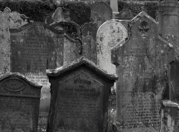 Wigtown kirkyard crop bw